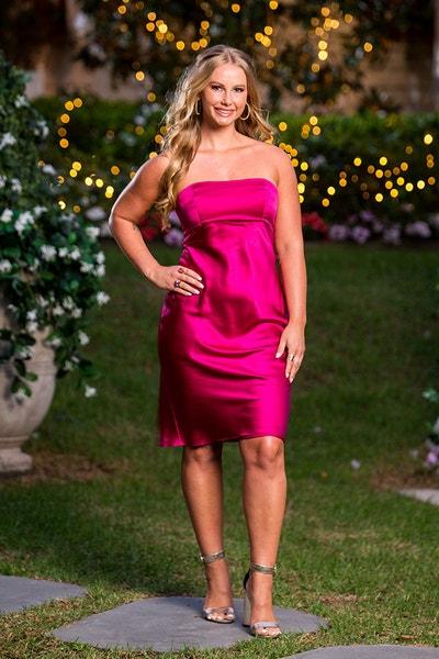 Rachael Arahill - Wedding Dress - Bachelor Australia - Matt Agnew - Season 7 - *Sleuthing Spoilers* - Page 4 17fab740a18bbc9f2dac63afc132df49-567335