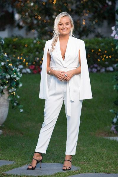 Elly Miles - Roasting Marshmallows/White Dress - Bachelor Australia - Matt Agnew - Season 7 - *Sleuthing Spoilers* - Page 7 3e9a73330e560ac893c2a475d43fcc43-573418