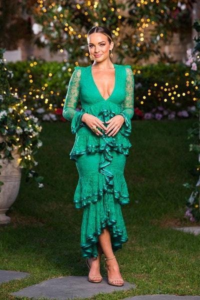 Abbie Chatfield - Black Fishtail Dress/Curly Hair - Bachelor Australia - Matt Agnew - Season 7 - *Sleuthing Spoilers* - Page 5 96ab1c47d3325afe93ff832055638c7d-573414