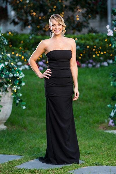 Abbie Chatfield - Black Fishtail Dress/Curly Hair - Bachelor Australia - Matt Agnew - Season 7 - *Sleuthing Spoilers* - Page 5 5fa6d3057349521adb1a2cfed28d20e7-645457