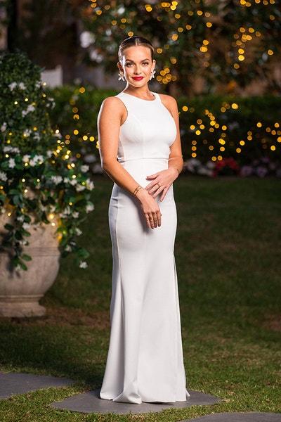 Abbie Chatfield - Black Fishtail Dress/Curly Hair - Bachelor Australia - Matt Agnew - Season 7 - *Sleuthing Spoilers* - Page 5 51ef5a62e2531bcd83658e9dc8ed8de9-646256